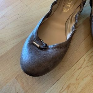 Tod's Shoes - WORN ONCE! Authentic tods leather ballet flats